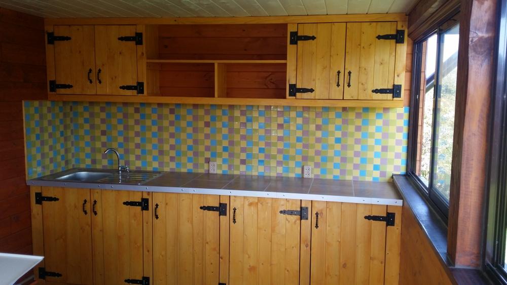 Делаем кухню на даче своими руками 75
