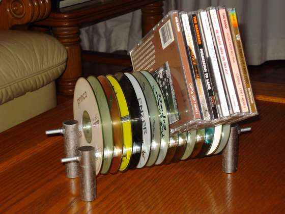 Подставка из дисков фото