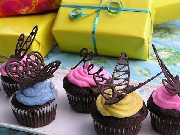 Шоколадная бабочка для тортов и пирожных
