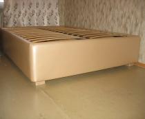 Двуспальная кровать с лифтом