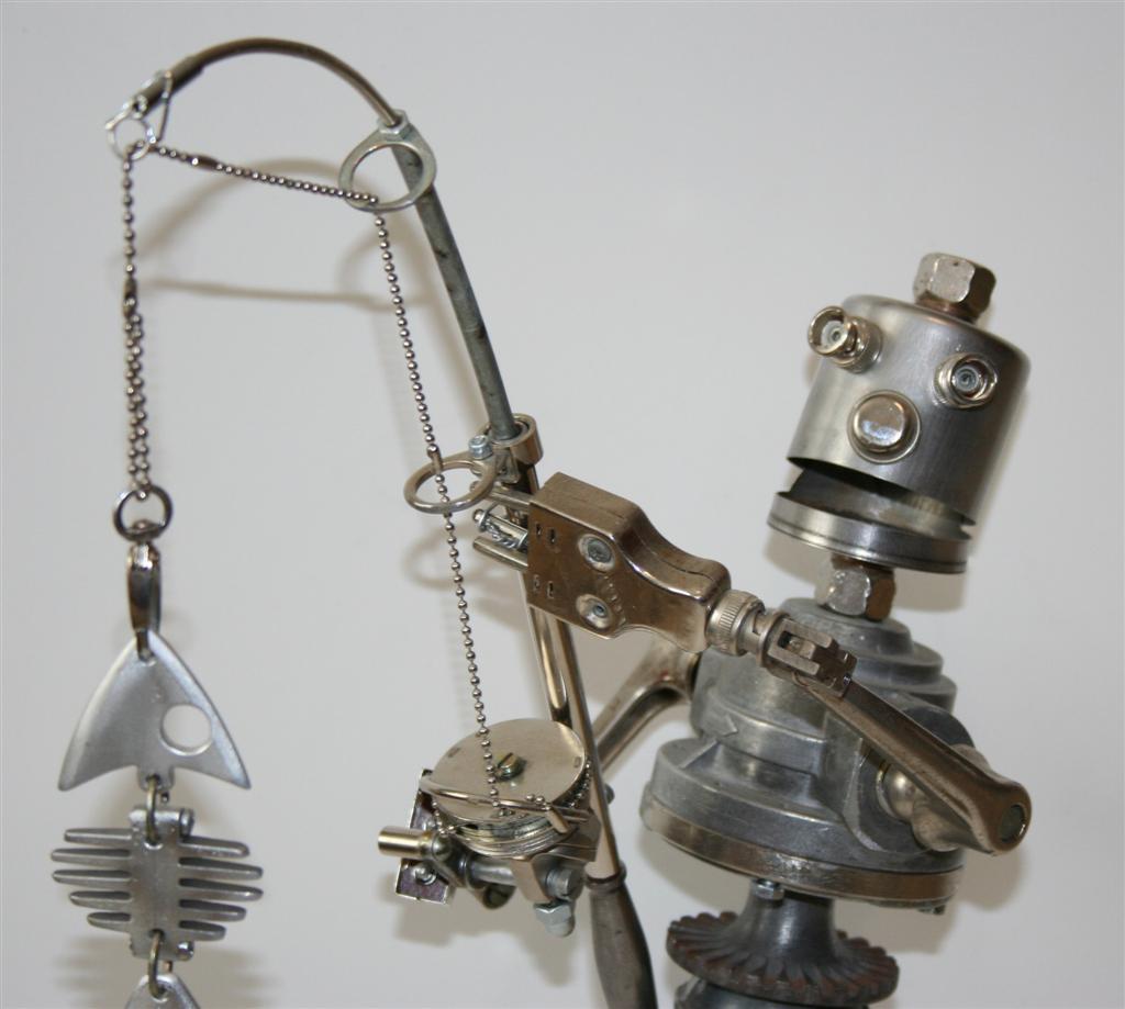 Робот своими руками из металлического мусора