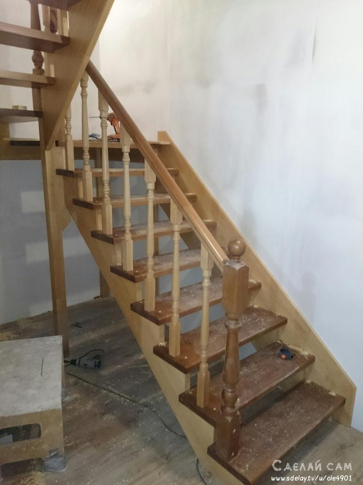 Лестница под 180 градусов из дерева своими руками