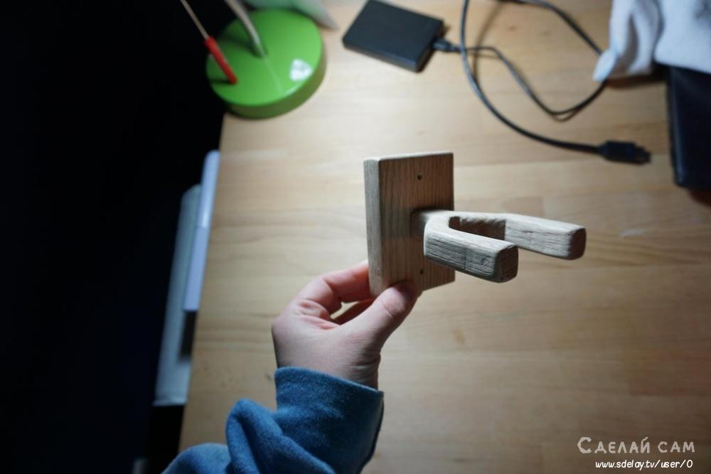 Настенный держатель для укулеле своими руками