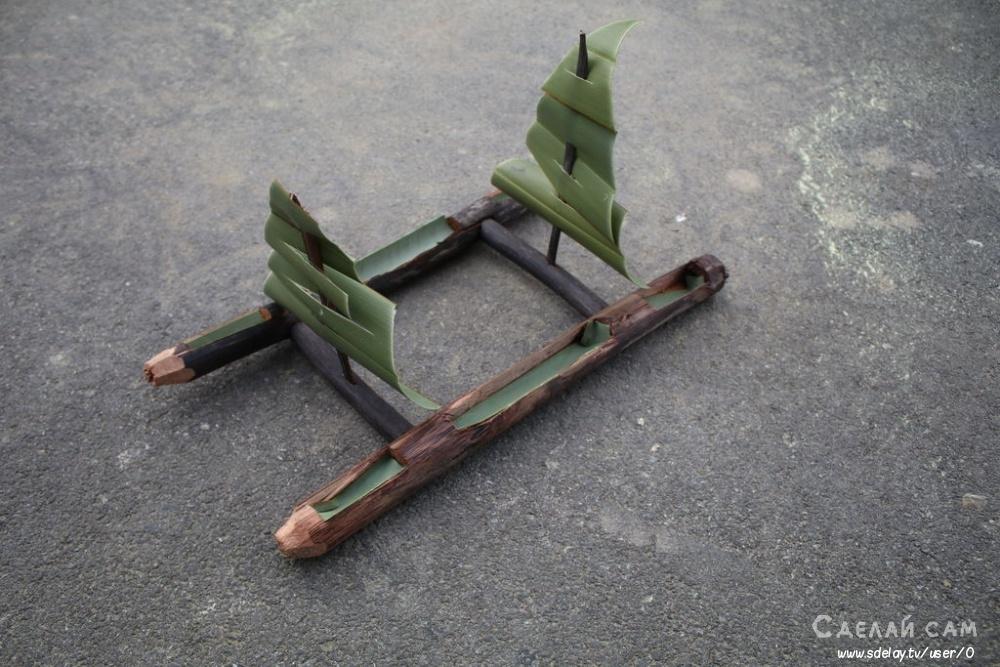 Небольшая лодка-парусник из подручных материалов своими руками