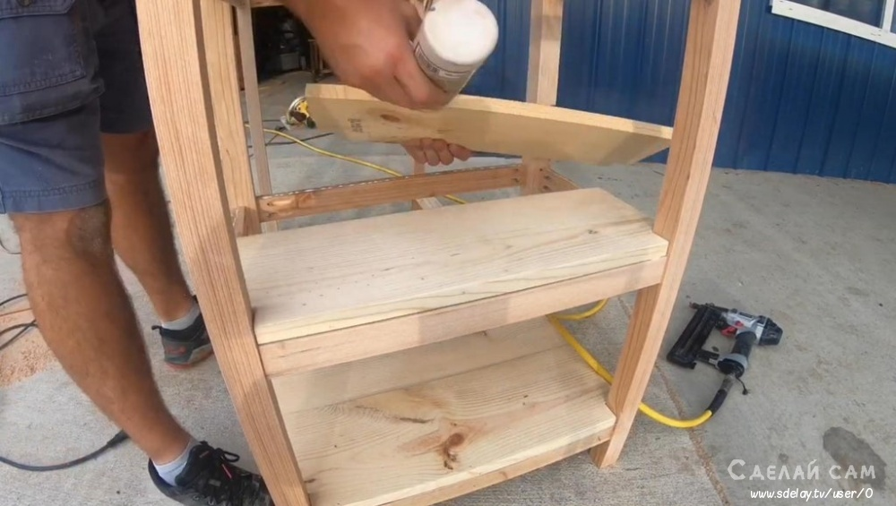 Рабочий стол из дерева своими руками