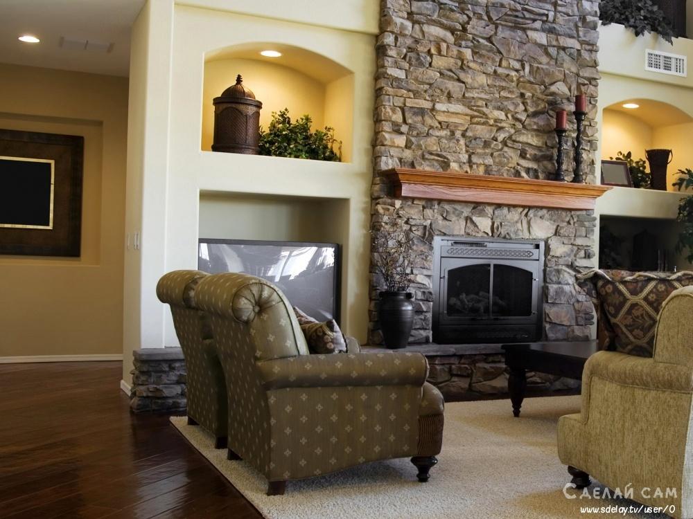 Интерьер гостиной с камином: полезные советы