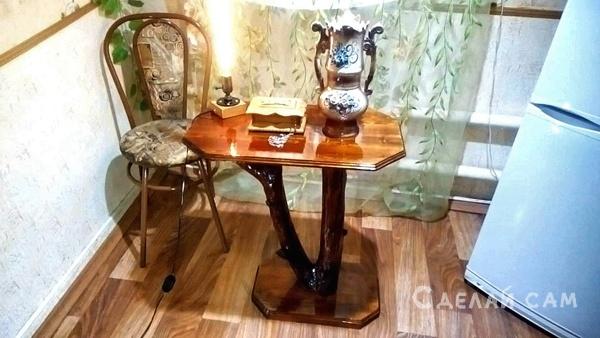 Декоративный столик из дерева своими руками.