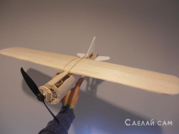 Модель самолета на резиновом приводе своими руками