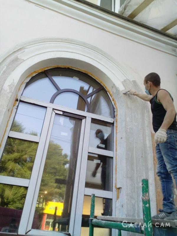 Восстанавливаю оконную арку на фасаде здания начала ХХ века. 12 арок. .