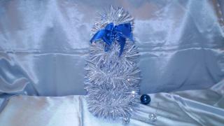 Бюджетная новогодняя елочка (Синий иней)