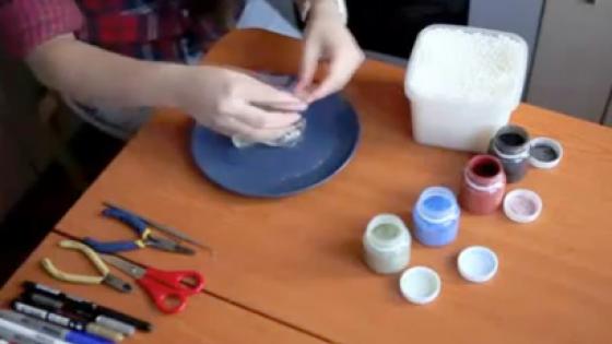 Набор украшений (бусы, браслет и сережки) из пластика, полиморфуса