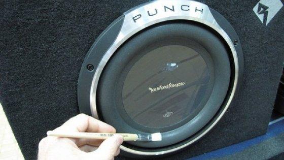 Как улучшить звук сабвуфера и динамиков за 10 минут