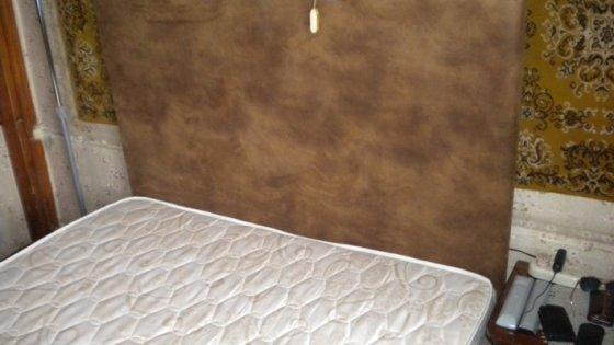 Двуспальная разборная кровать с подъемным механизмом