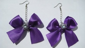 DIY Серёжки из лент за 10 минут.  Мастер класс \ Earrings of the tapes for 10 minutes