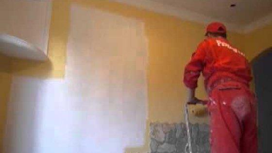 Покраска стен валиком в квартире мастерами компании Рембригада.ру