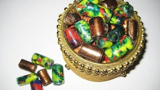 DIY Бусины из пластиковых бутылок своими руками. Мастер класс \ Beads from plastic bottles