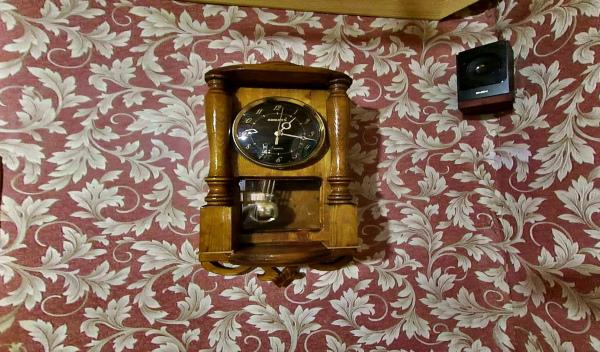 Настенные ретро часы с маятником своими руками