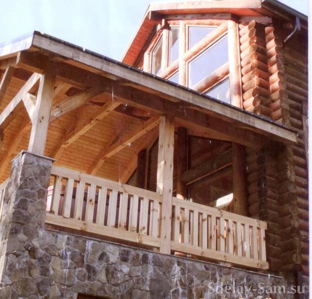 Терраса в доме из оцилиндрованного бревна